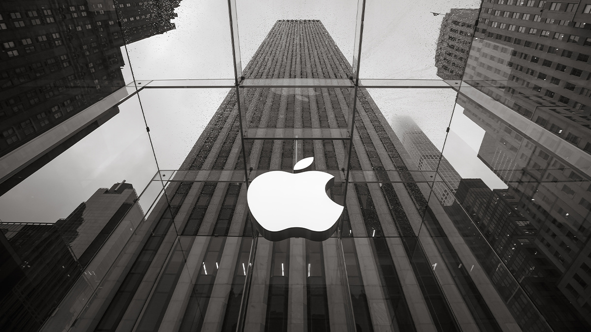 Apple awarded $100k bug bounty to a researcher